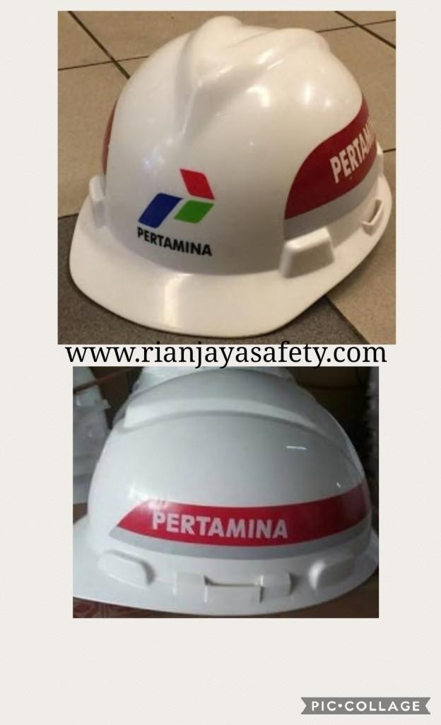 Hasil gambar untuk helm pertamina