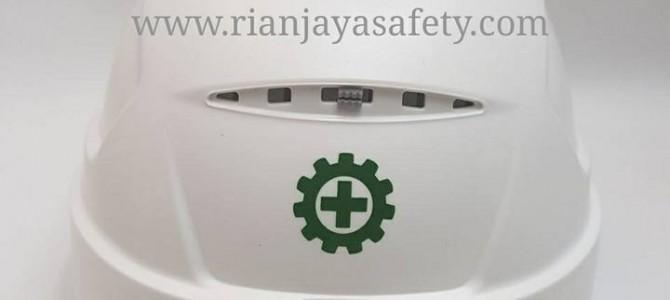 Terima cetak logo perusahaan pada helm safety / helm proyek di Samarinda