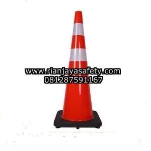 Jual traffic cone kerucut pembatas jalan raya murah