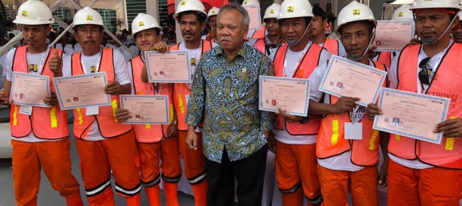 Distributor helm proyek termurah di Jakarta